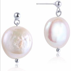 PEARL EARRINGS! natural cultured pearl!